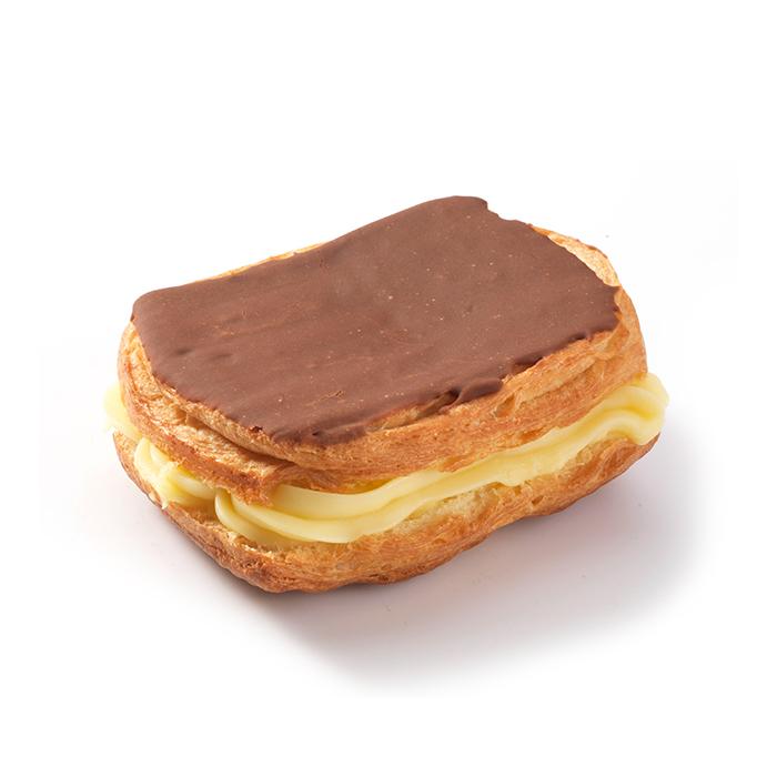 Vierkante crèmekoek chocolade